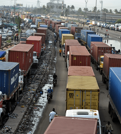 Buhari-Gives Truck Operators, Drivers 72Hrs To Clear Off Apapa Roads 1
