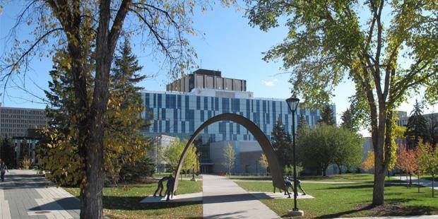 Canada 2020 - International Entrance Scholarship At University of Calgary