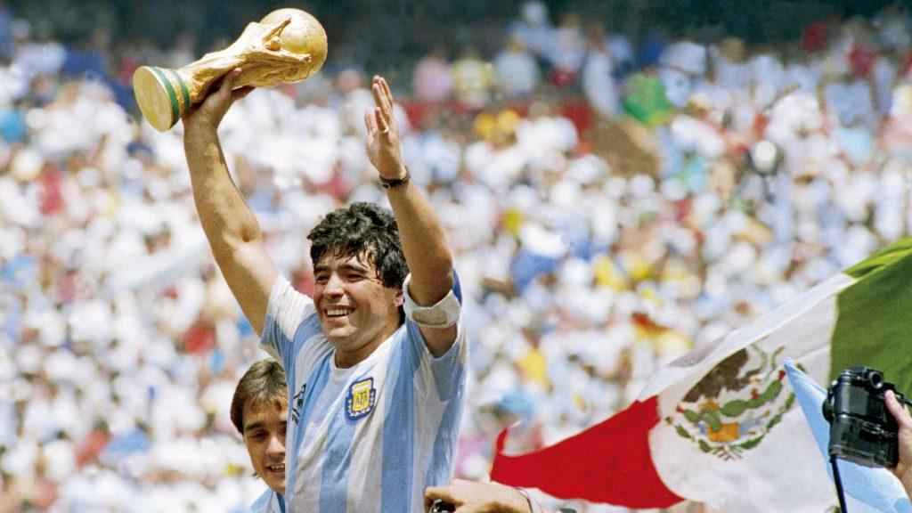 Breaking: Diego Maradona Dies at 60 Following heart attack - Photos 2