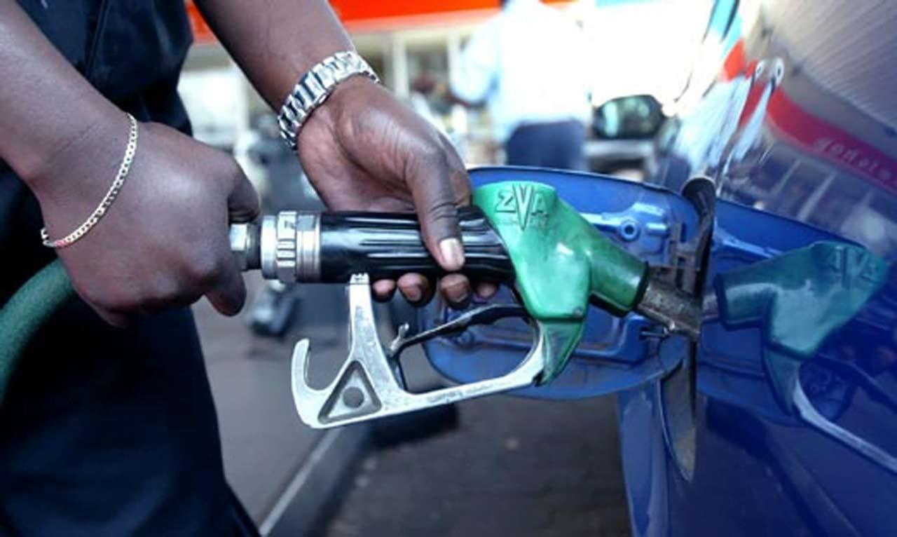 Breaking! FG to reduce fuel price below N100 per litre